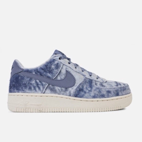 NIKE AIR FORCE 1 LV8 BLUE VELVET VELOUR SHOES